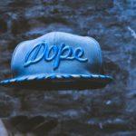 「dope」の意味とは?英語スラングの読み方・返し方・発音方法を徹底解説!